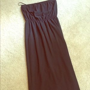Dresses & Skirts - Strapless black dress